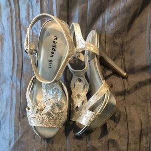 Madden Girl Silver Sandals Shoes 6.5